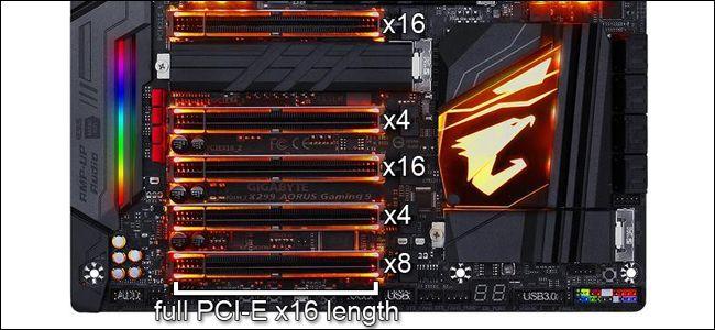 Một bo mạch chủ Gigabyte hiển thị các khe cắm PCIe