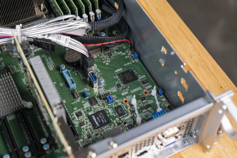 Supermicro 2049P TN8R M.2 USB 3 và SATA