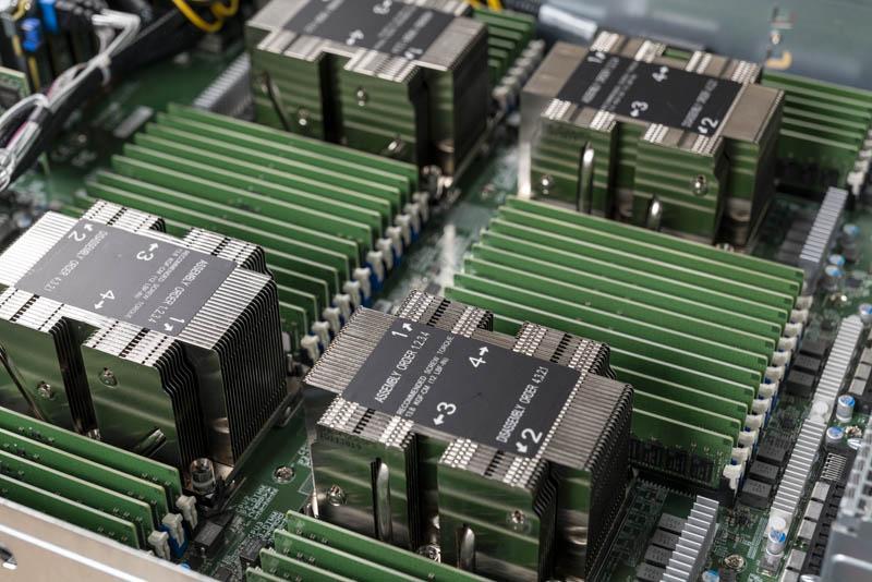 Ánh sáng khu vực CPU Supermicro 2049P TN8R