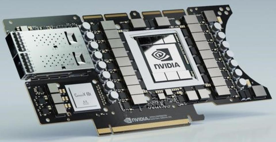 Hình ảnh của bảng máy chủ trung tâm dữ liệu mini Edge EGX