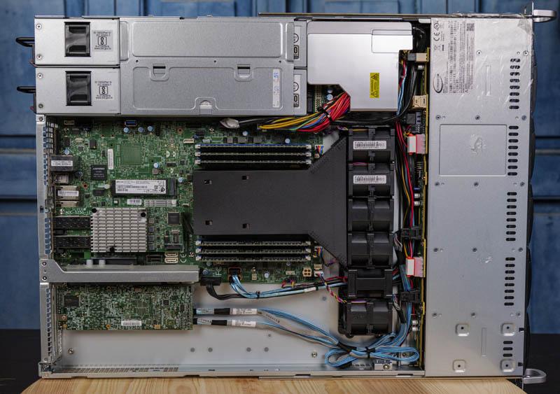 Tổng quan bên trong Supermicro SYS 1019P WTR