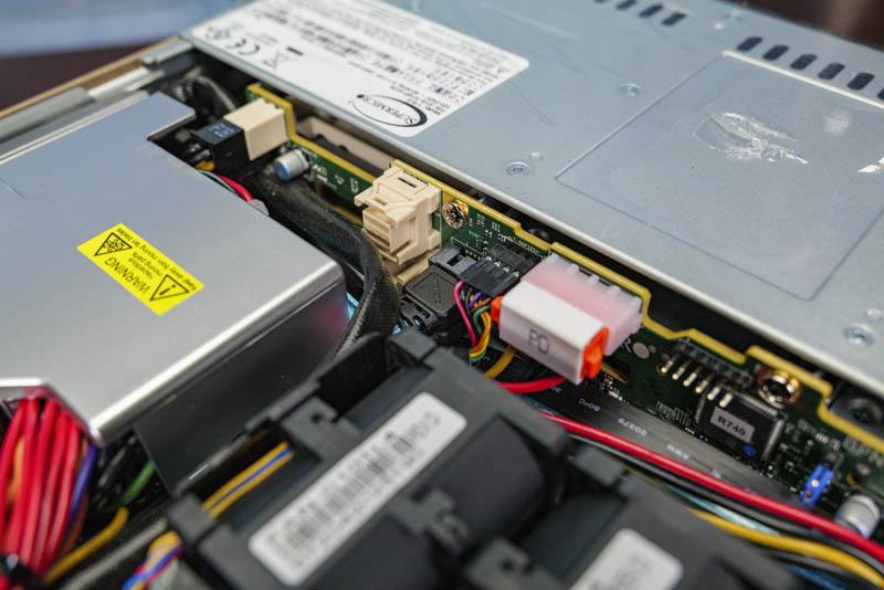 Supermicro SYS 1019P WTR Đầu nối bảng nối kép NVMe cổng kép tùy chọn