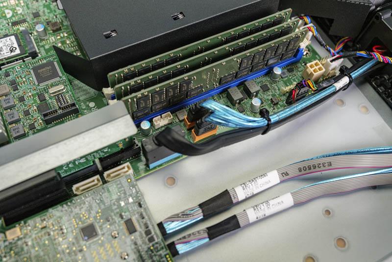 Đầu nối SATADOM Supermicro SYS 1019P WTR